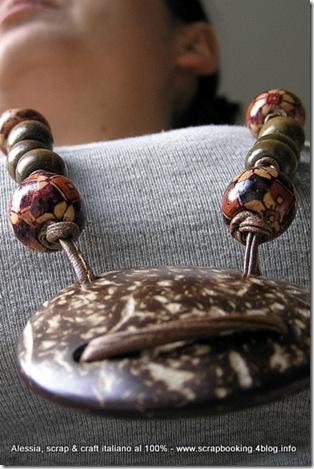 collana in cuoio e perle di legno