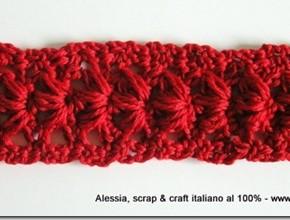 Punto anemone a crochet, un braccialetto tutto rosso
