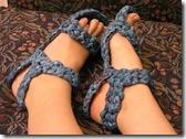 sandali in plastica riciclata a crochet