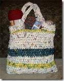 borsa in plastica riciclata a crochet