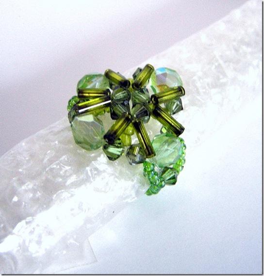 l'anello sui toni del verde, sempre nel pacchettino di Barbara del Bugigattolo