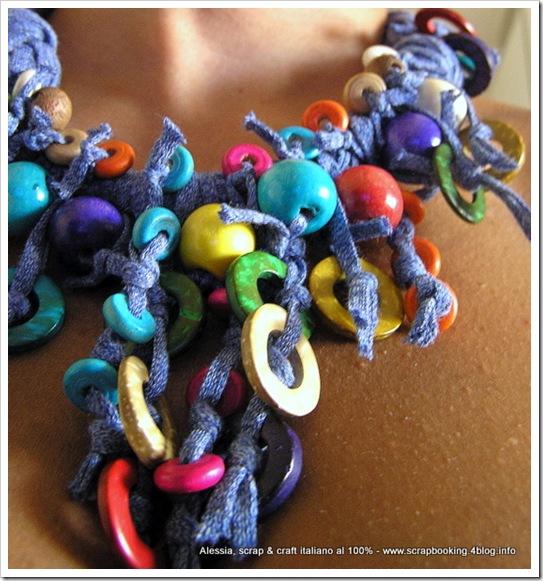 circle colors necklace, collane con filati particolari e perline in legno