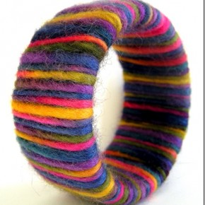 Wool Bangle Fall, un braccialetto ricoperto di feltro di lana