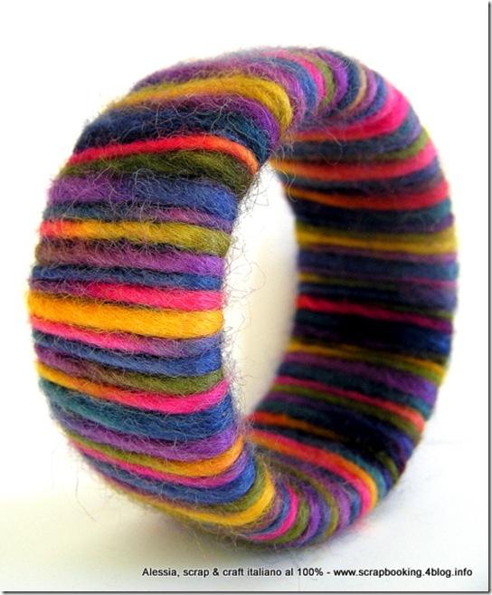 Wool Bangle Fall, un braccialetto ricoperto di feltro di lana