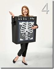 """il costume """"macchina per i raggi X"""" rigorosamente DIY da Country Living"""