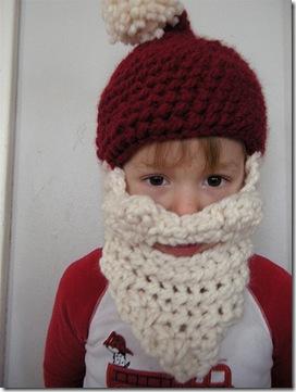 il cappello di Natale con barba bianca incorporata, ovviamente a crochet