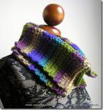 Ancora lana e uncinetto a Natale: scaldacollo Calì in vendita
