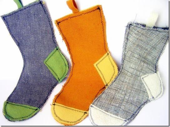 Cucito creativo per Natale: calze con i ritagli di stoffa