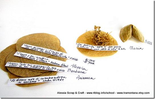Decorazioni per capodanno: biscottini della fortuna di carta del pane (fortune cookies) come segnaposto