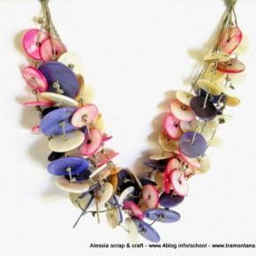 Glicine, una collana di lino e madreperla