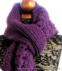 Viola, grande sciarpa a maglia e crochet senza cuciture