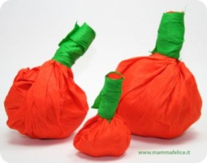 Le zucche di Halloween in carta crespa