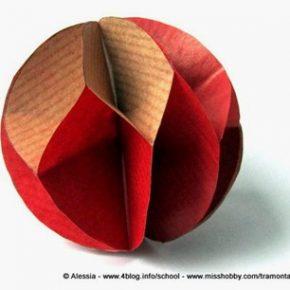 Decorazioni di Natale velocissime: palle di carta
