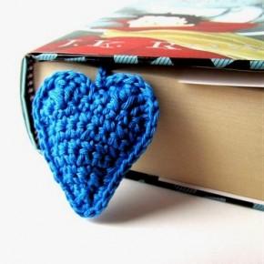 Ancora un cuore a crochet, questo è azzurro
