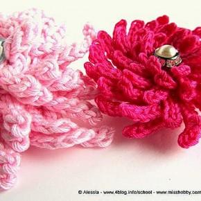 Dahlia Power Pin, nuova versione della mia spilla a crochet