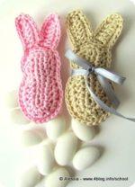 Tempo di coniglietti, bomboniere a crochet