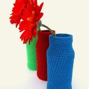 Vasi rivestiti a crochet, set fotografico