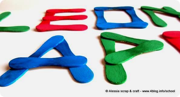 Lavoretti: lettere con i bastoncini del gelato