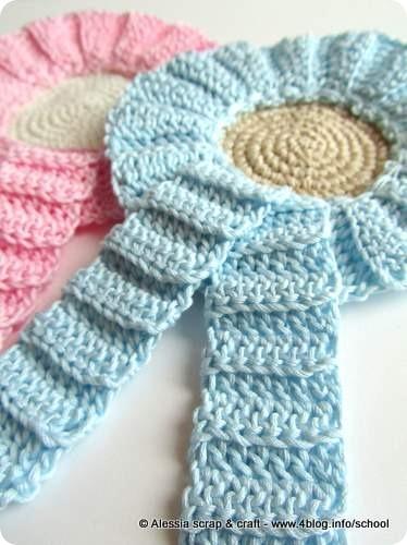 Fiocco nascita: idea a crochet per una coccarda