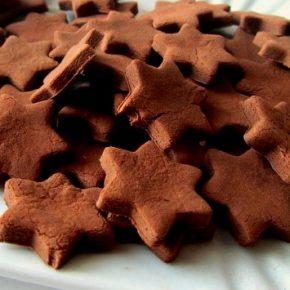 -50 giorni a Natale: stelline di pasta di zucchero, latte e cioccolato