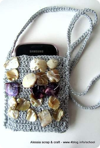 Capodanno: borsetta porta cellulare all'uncinetto