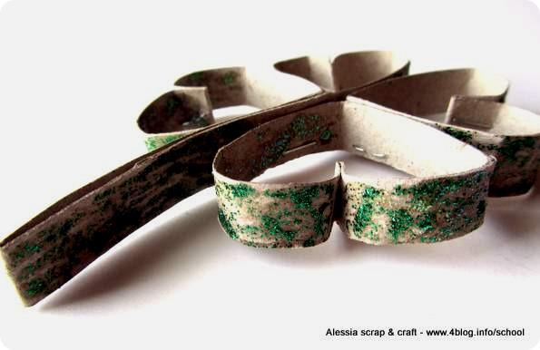 St. Patrick's Day: quadrifogli con tubi di cartone