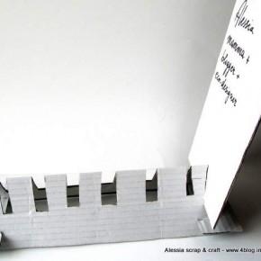 L'espositore per i biglietti da visita di cartone riciclato