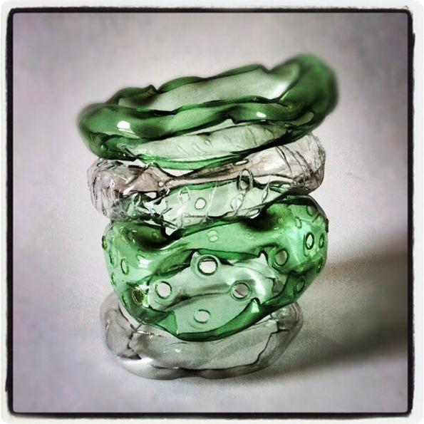 Gelly Bangles: nuovi esperimenti con i bracciali di plastica riciclata