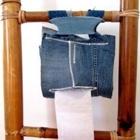 Un porta rotolo di carta igienica fatto di jeans riciclato!