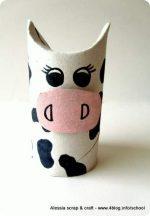 Lavoretti, zoo con i tubi di cartone: la mucca