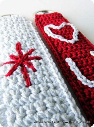 Portachiavi a fascia a crochet: arriva LOVE U