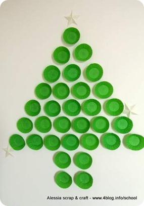 Countdown Natale: l'albero da parete con i pirottini