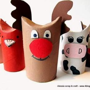 Lavoretti, zoo con i tubi di cartone: la renna di Natale