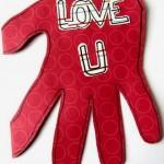 Biglietto di San valentino con mani e cuori (ritrovato)