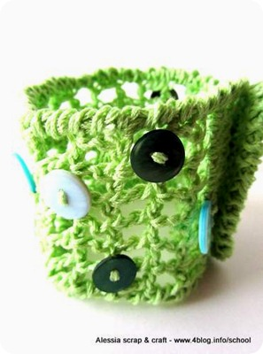 Green: un altro braccialetto crochet a rete e bottoni