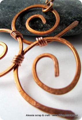 Bijoux fai da te: Triskel in rame martellato