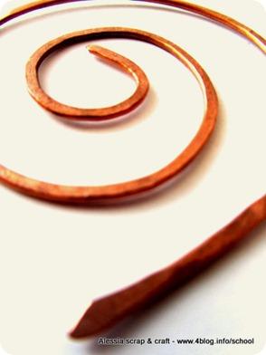 SPIRE: una spilla da scialle semplice semplice