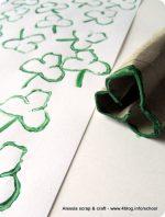 St. Patrick's Day: carta regalo DIY con trifogli stampati