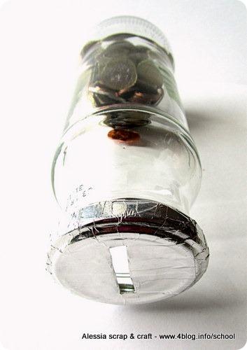 salvadanaio fatto riciclando barattoli di vetro alessia