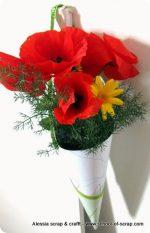 Festa della mamma: regalo fiori di campo nel cono di carta
