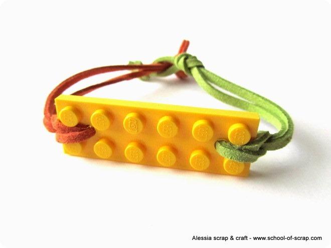 Mattoncini Lego e pelle per fare braccialetti estivi