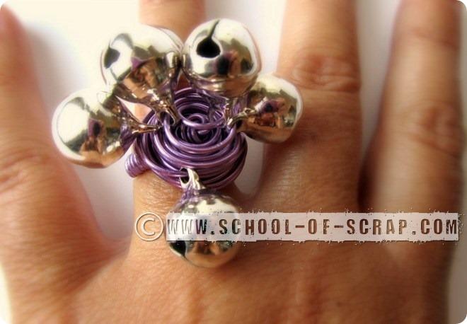 Bijoux estivi: un anello velocissimo con i campanellini