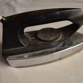 Scuola di Cucito: l'importanza del ferro da stiro
