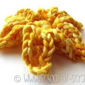 Scuola di Uncinetto: il fiore tridimensionale a crochet