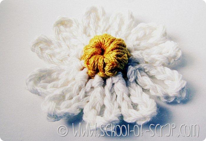 Scuola di uncinetto: fare una margherita con catenella e maglia bassa