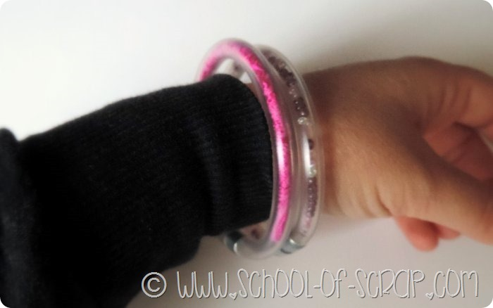 In #5minuti si fanno i braccialetti con i tubi trasparenti