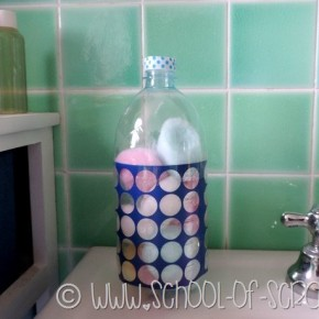 Riciclo creativo: porta batuffoli di cotone con le bottiglie di plastica