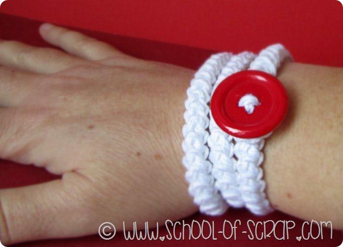 Scuola di Uncinetto: spighetta rumena e bottoni per creare bracciali