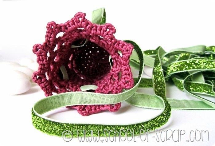 Romantica, una bomboniera a sacchetto fatta a crochet