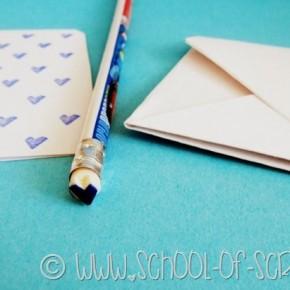 Letterine piene di cuori: il timbro fatto con la gomma della matita